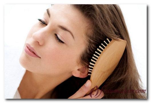 Как правильно расчесывать волосы после мытья?
