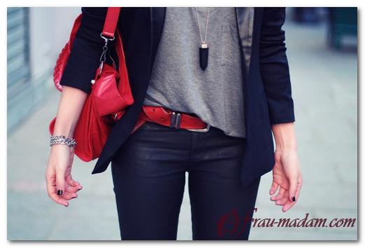 С чем носить красную сумку: фото примеры