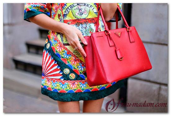 красная сумка прада