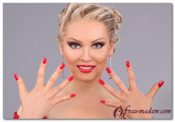 Дизайн ногтей под красное платье: какой лучше выбрать?