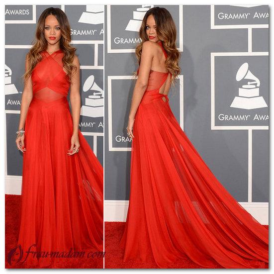 рианна в красном платье