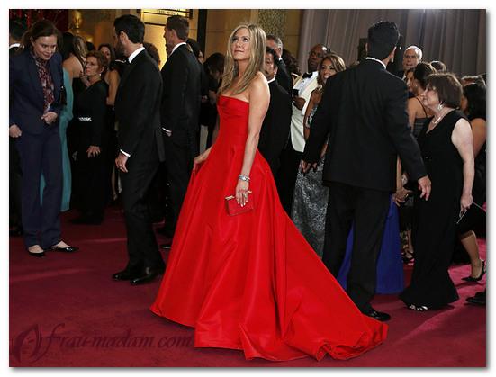 с чем одеть красное платье