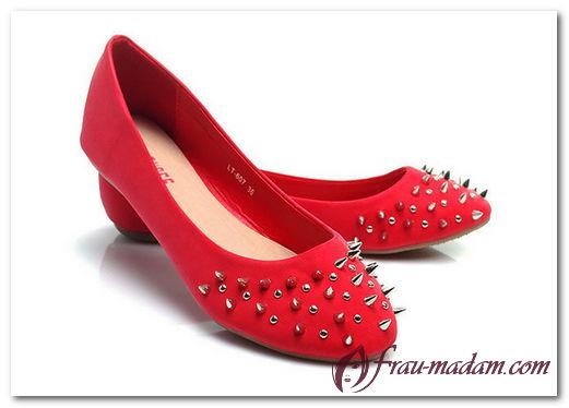 Красные балетки: с чем можно носить?