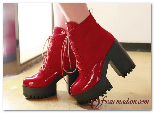 Красные ботильоны и ботинки: с чем сочетать (фото)?