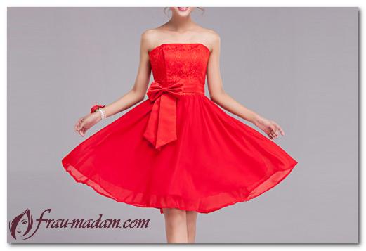 Красное короткое платье: как выбрать и с чем носить?