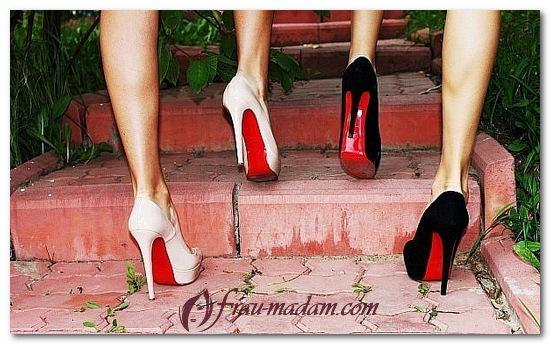 туфли с красной подошвой с чем носить