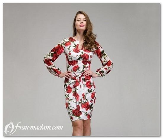 белое платье с красными цветами