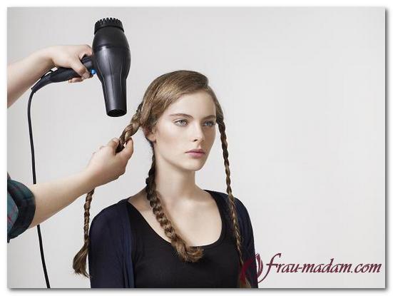 Как сделать волнистые волосы с помощью косичек 452