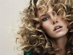 Как делать вьющиеся  волны и кудри на волосы до плеч