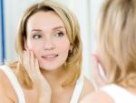 Тускло-серый оттенок кожи лица: косметические средства