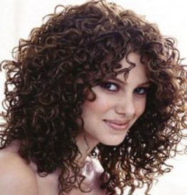 как окрасить кудрявые волосы