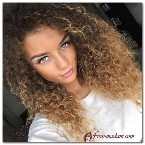 окрашивание волнистых волос